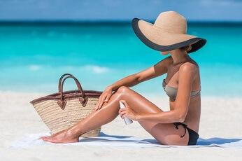 Les huiles végétales et huiles essentielles pour bien préparer et protéger sa peau du soleil