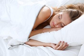 Comment bien dormir avec les Huiles essentielles + traiter l'insomnie!