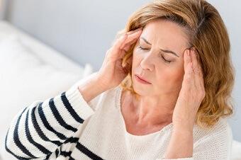 Les huiles essentielles contre les maux de tête et les migraines